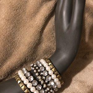 Forever 21 Stretchy Pearl//Diamond/Pewter Bracelet